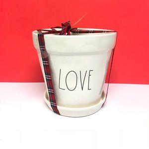 Rae Dunn Brand new LOVE planter